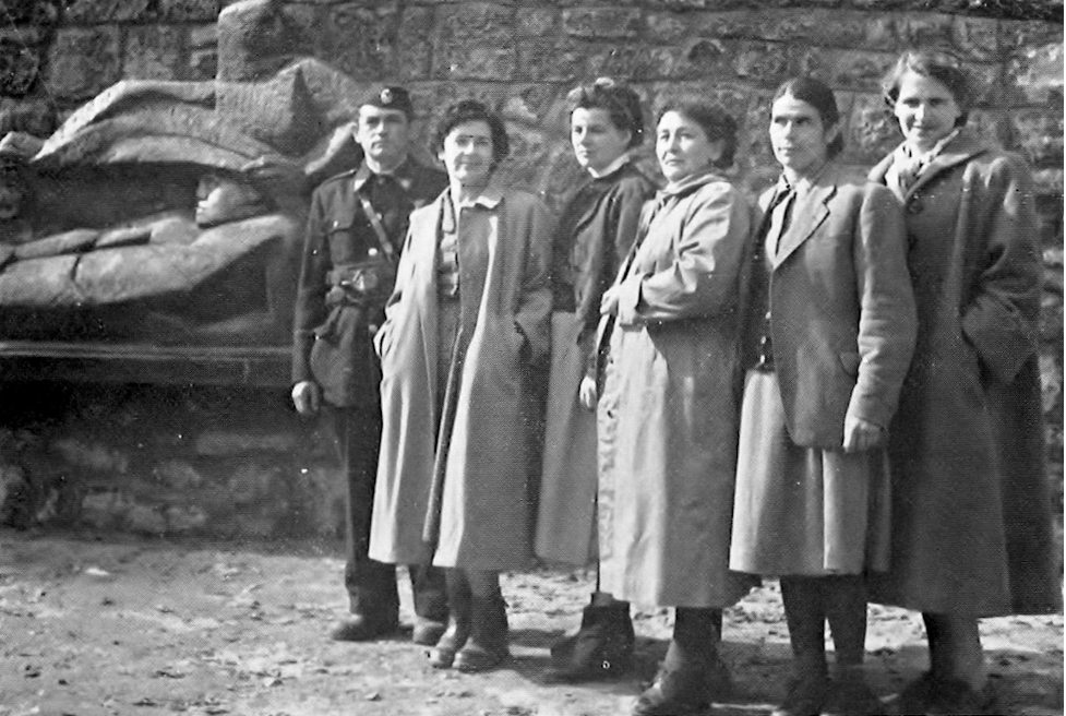 The partisan hospital staff in 1956. Vera Švabenic-Zoričić is second from left (Jančić-Starc 1971).