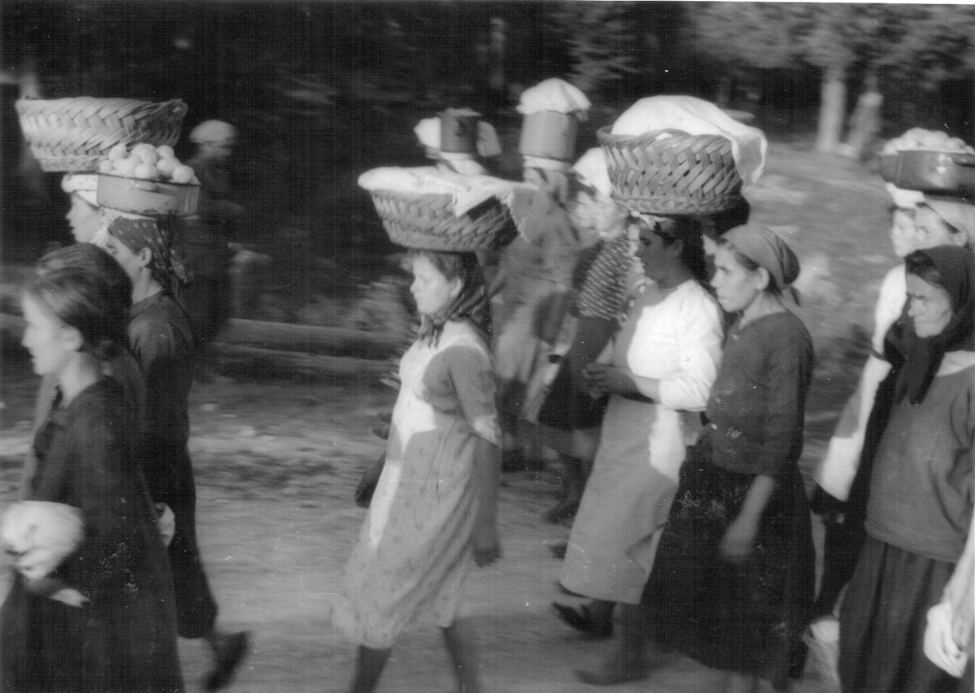 Women of Drežnica bringing food to the partisan Hospital no. 7, autumn 1942. Ogulin Heritage Museum